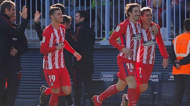 Pemain Atletico Madrid rayakan gol Antoine Griezmann.