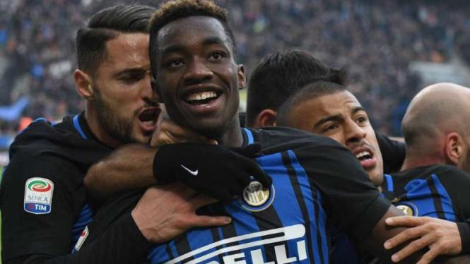 Pemain Inter Milan rayakan gol Yann Karamoh.