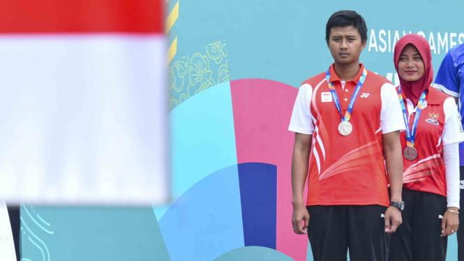 Atlet Panah Indonesia Riau Ega Agata (kiri) dan Diananda Choirunisa (kanan)