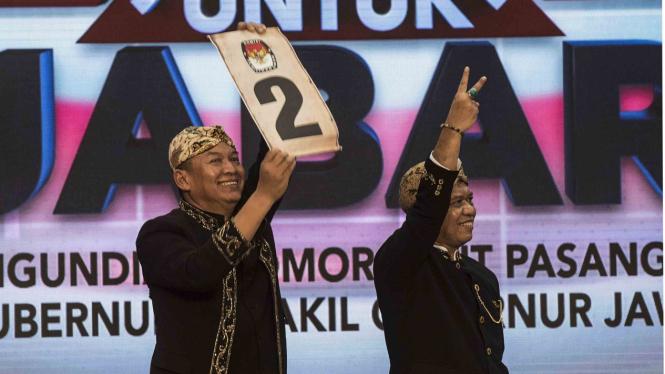 Cagub dan Cawagub Jawa Barat, TB Hasanuddin (kiri) - Anton Charliyan (kanan)