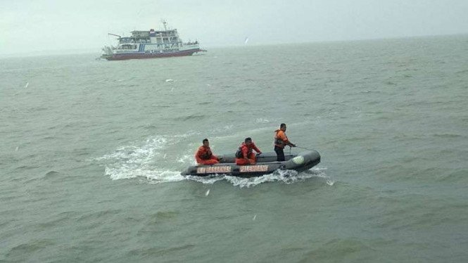 Ilustrasi pencarian kapal tenggelam.