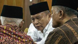 Politikus PDIP TB Hasanuddin (tengah)