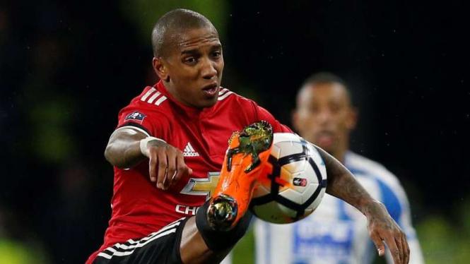 Pemain serba bisa Manchester United, Ashley Young