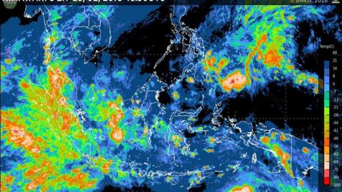 Foto satelit Himawari BMKG terkait prakiraan cuaca di Indonesia. (Ilustrasi)