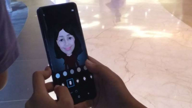 Samsung Galaxy S9 dengan fitur AR Emoji.
