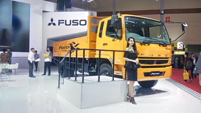 Truk Mitsubishi Fuso Aman Diisi Biodiesel B20