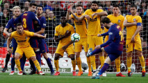 https://thumb.viva.co.id/media/frontend/thumbs3/2018/03/05/5a9c954f5953d-gol-messi-bawa-barcelona-taklukkan-atletico-madrid_213_120.JPG