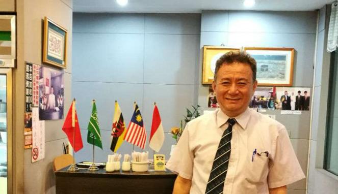 Yunus, seorang muslim Tionghoa, pemilik Yunus Halal Restaurant di Taiwan