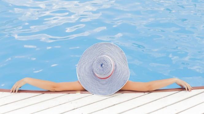 Ilustrasi kolam renang/berenang.