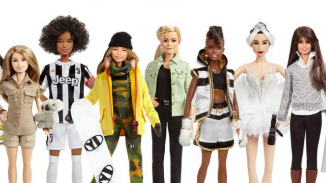 Boneka Barbie dalam figur tokoh-tokoh inspiratif dunia.
