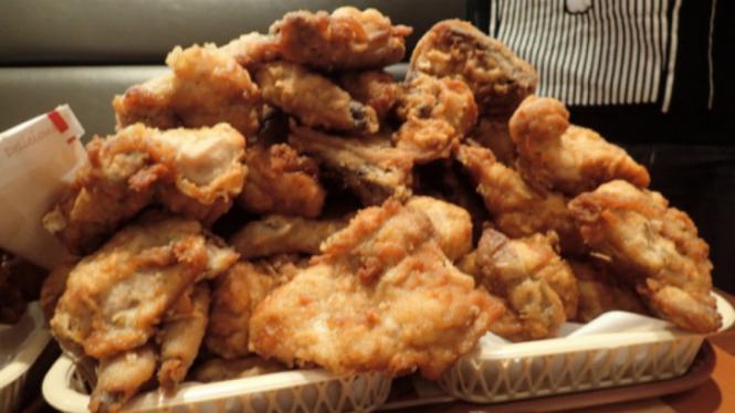Ayam goreng KFC.