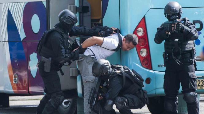 Ilustrasi penangkapan teroris.