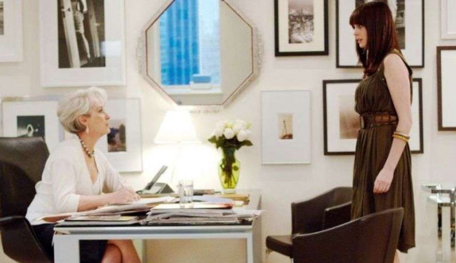 Dekorasi ruang kerja dari Film The Devil Wears Prada