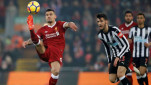 https://thumb.viva.co.id/media/frontend/thumbs3/2018/03/09/5aa2042a623fd-bek-liverpool-dejan-lovren-kiri_151_85.jpg