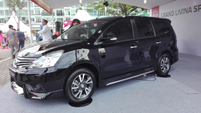 Nissan Grand Livina Special Version