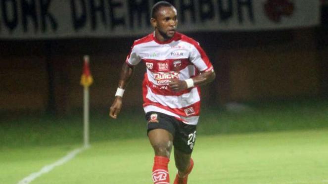 Gelandang Madura United, Zah Rahan Krangar.