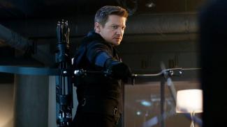 Jeremy Renner sebagai Hawkeye
