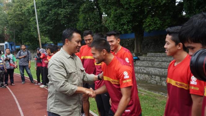 Menpora Imam Nahrawi bertemu kontingen pencak silat Indonesia