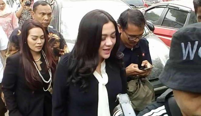 Vicky Shu tiba di PN Kota Depok.