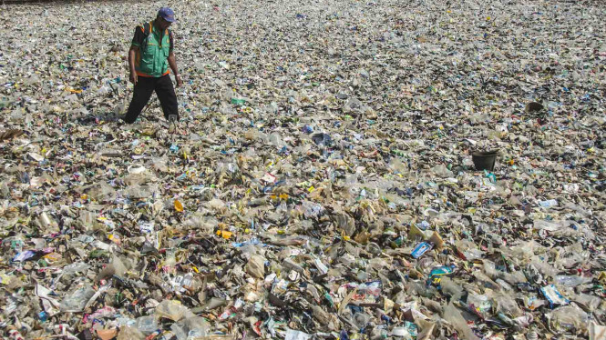 Ilustrasi sampah Jakarta.