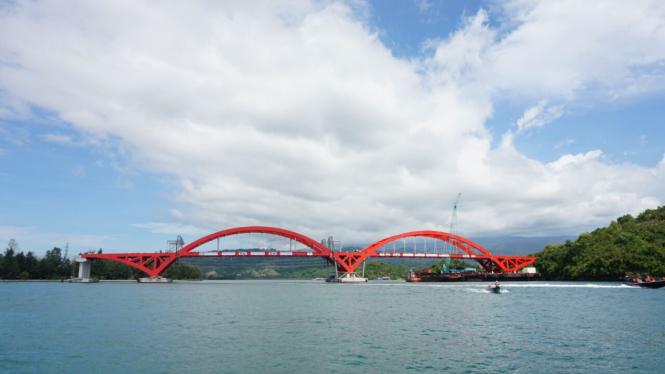 Jembatan Youtefa di Papua yang dulu bernama Holtekamp.