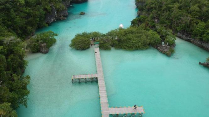 Keindahan Pulau di Maluku