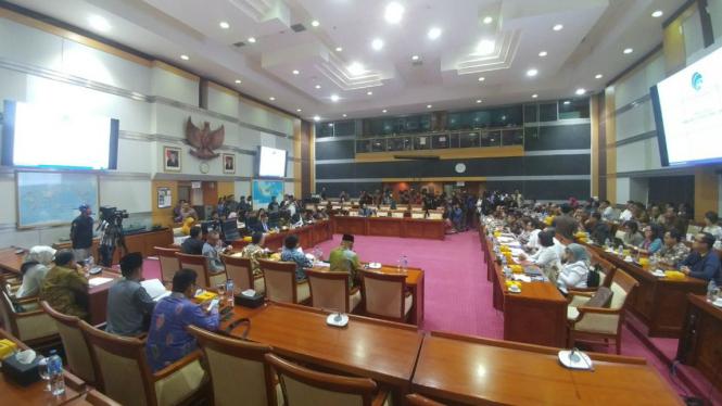 Rapat Dengar Pendapat Komisi I DPR dengan Kemenkominfo.