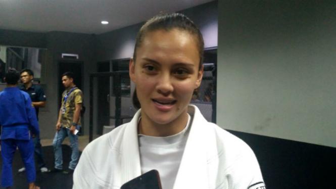 Penggawa Timnas jiu-jitsu Indonesia, Simone Julia