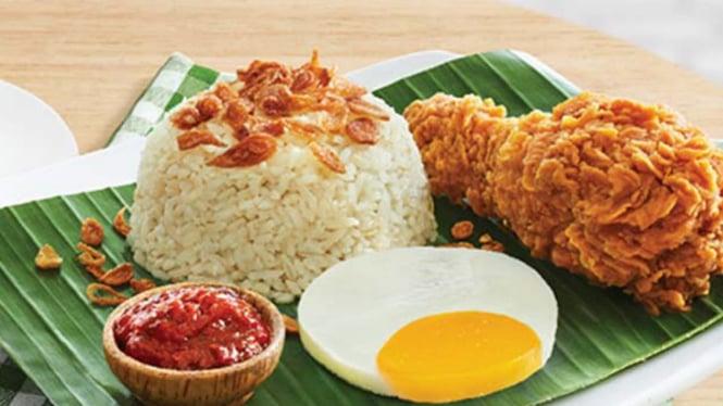 Menu Sarapan Zaman Now, Nasi Uduk Pakai Ayam Goreng McD - VIVA