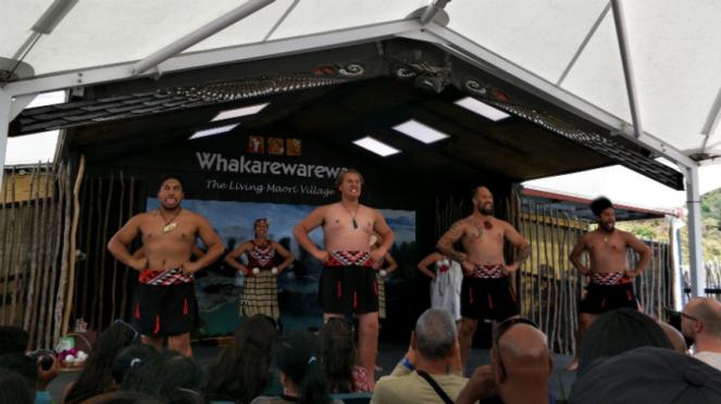 Whakarewarewa, desa Suku Maori di Rotorua, Selandia Baru.