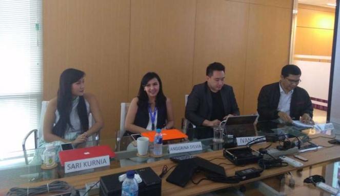CEO Avnos, Ivan Goh (kedua kanan).