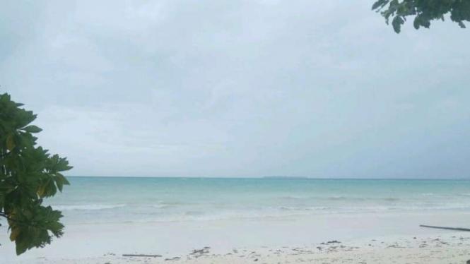 Wisata Ke 10 Pulau Cantik Lewat Pantai Ngurbloat