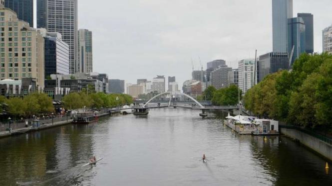 Pemandangan Kota Melbourne, Australia, dari Sungai Yarra.