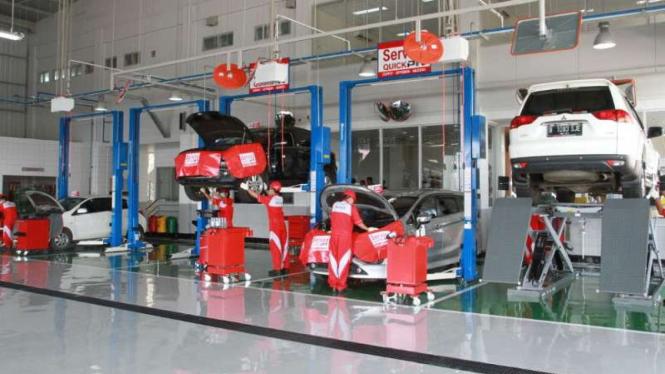Ruang servis Mitsubishi
