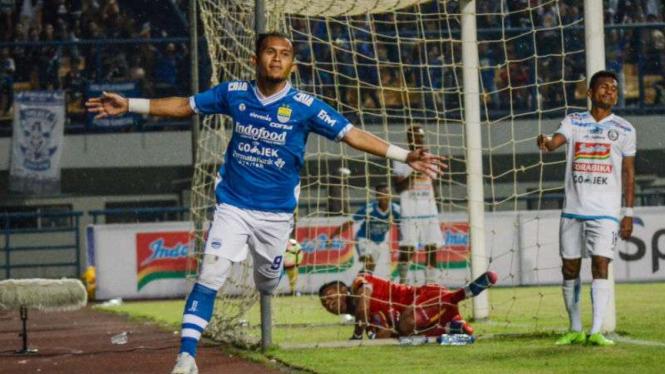 Mantan striker Persib Bandung, Airlangga Sucipto.
