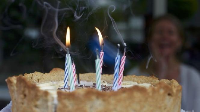 Ilustrasi kue ulang tahun