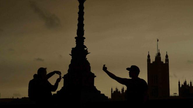 Sorot Facebook - Kehidupan di Inggris