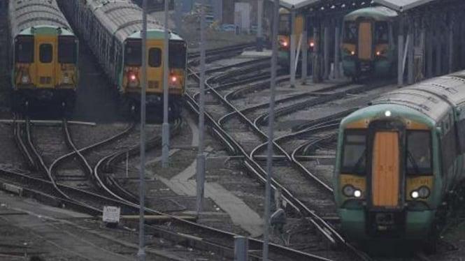 Armada kereta di London, Inggris.