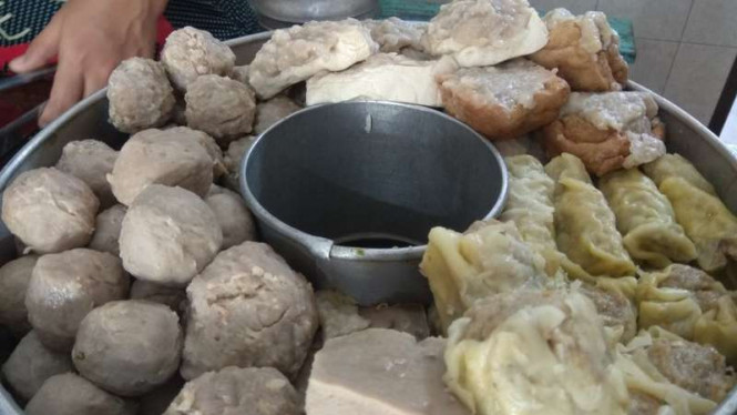 Bakso Cak Man Kota Malang.