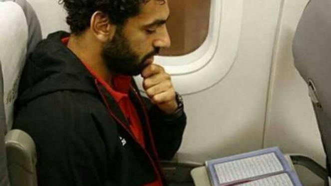 Mohamed Salah membaca Alquran