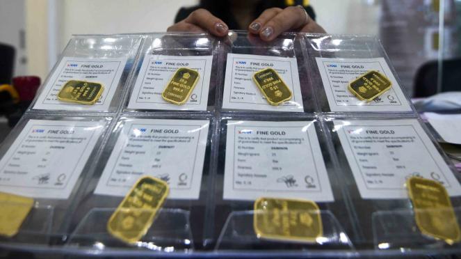 Emas batangan yang ditransaksikan di Butik Emas Logam Mulia