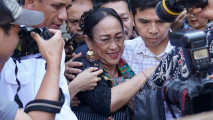 https://thumb.viva.co.id/media/frontend/thumbs3/2018/04/04/5ac4a32672084-sukmawati-soekarnoputri_213_120.jpg