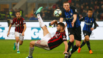 https://thumb.viva.co.id/media/frontend/thumbs3/2018/04/05/5ac558a2563d1-derby-milan-berakhir-imbang_213_120.JPG