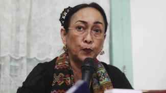 Sukmawati Soekarnoputri memberikan keterangan pers
