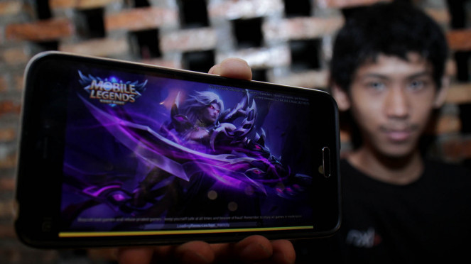 Pemain Game Mobile Legends, Fadhil Abdurrachman