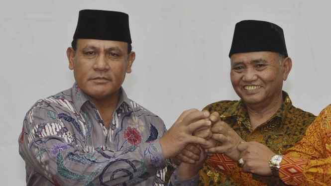 Inspektur Jenderal Firli Bahuri (kiri) dan Ketua KPK Agus Rahardjo.