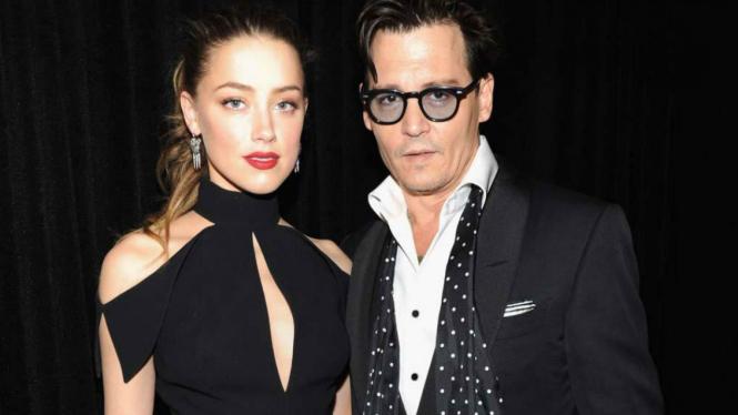 Amber Heard dan Johnny Depp.