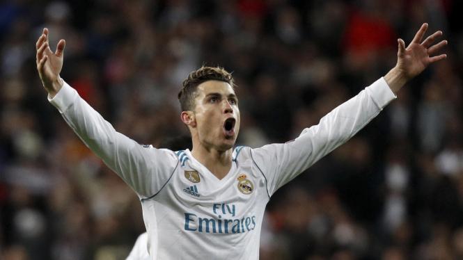 Selebrasi Ronaldo usai mencetak gol.