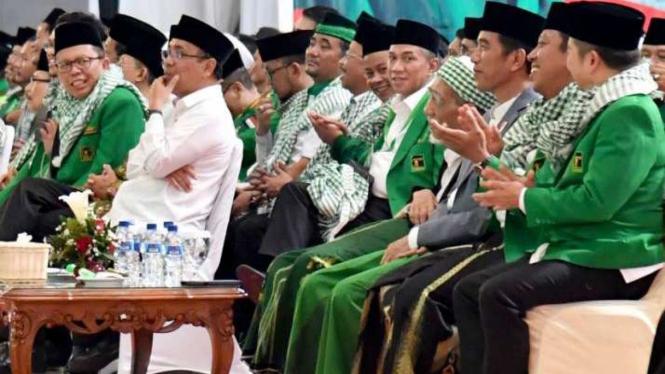 Presiden Jokowi dan elite PPP lainnya, di Semarang, Sabtu, 14 April 2018.