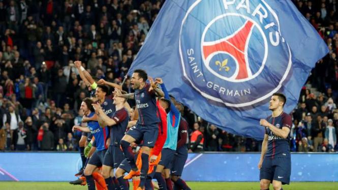 Pemain Paris Saint-Germain rayakan juara Ligue 1.